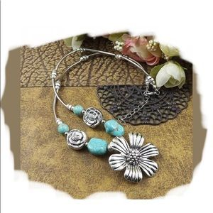 Turquoise Flower Necklace 🌿🆕🌿🆕